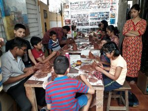 drawing - Ecofriemdly Ganpati Making Class 300x225 - Drawing and Painting Classes / Workshops in Wakad – Grafiti Expressions